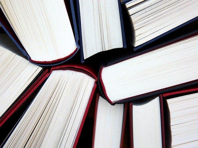 otevřené učebnice literatury