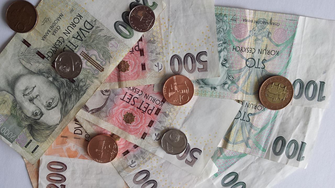 různé české peníze